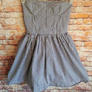 Abercrombie & Fitch striped strapless dress
